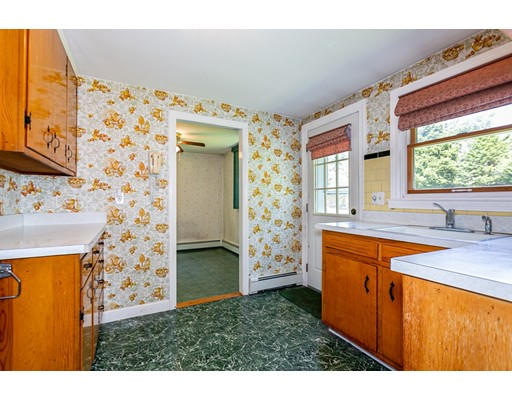 Picture 10 of 15 Kinsman Pl  Natick Ma 3 Bedroom Single Family