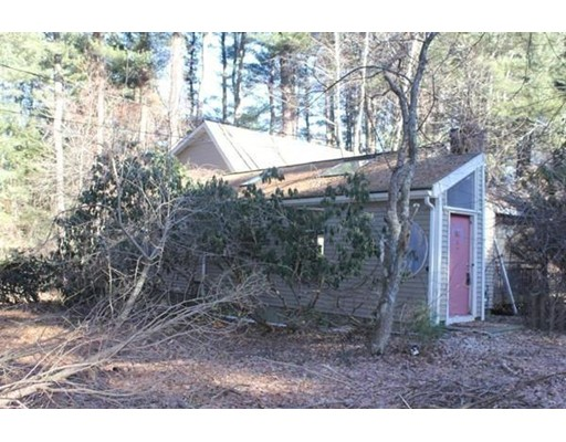 Picture 2 of 143 Concord Rd  Wayland Ma 3 Bedroom Single Family