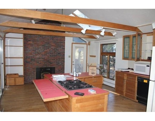 Picture 5 of 143 Concord Rd  Wayland Ma 3 Bedroom Single Family