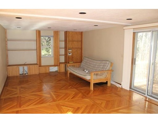 Picture 6 of 143 Concord Rd  Wayland Ma 3 Bedroom Single Family