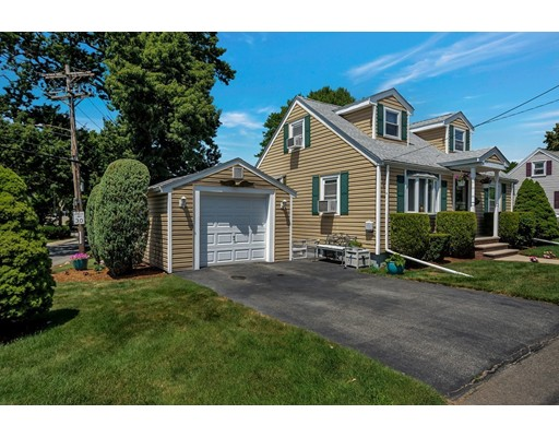 Picture 2 of 146 Green St  Woburn Ma 2 Bedroom Single Family