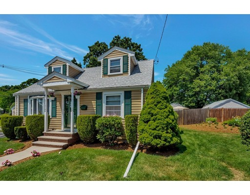Picture 3 of 146 Green St  Woburn Ma 2 Bedroom Single Family