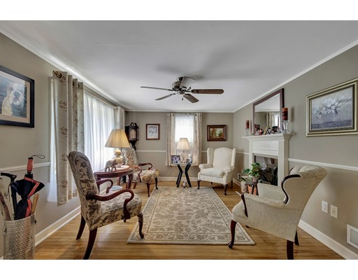 Picture 5 of 146 Green St  Woburn Ma 2 Bedroom Single Family