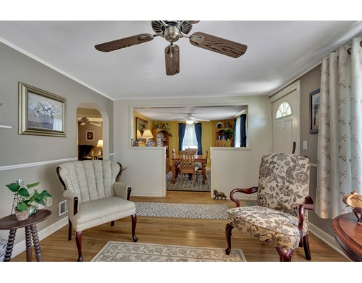 Picture 7 of 146 Green St  Woburn Ma 2 Bedroom Single Family