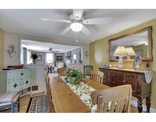 Picture 9 of 146 Green St  Woburn Ma 2 Bedroom Single Family
