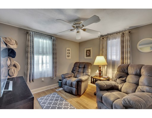 Picture 10 of 146 Green St  Woburn Ma 2 Bedroom Single Family