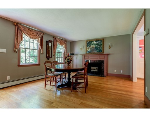 Picture 11 of 41 Wagonwheel Rd  Sudbury Ma 3 Bedroom Single Family