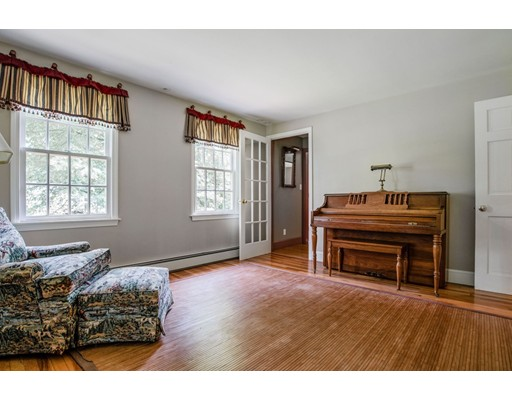 Picture 12 of 41 Wagonwheel Rd  Sudbury Ma 3 Bedroom Single Family