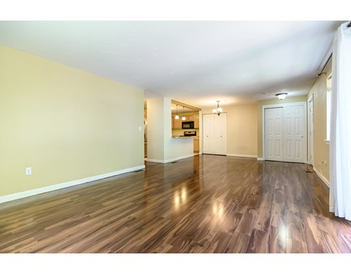 Picture 4 of 360 Littleton Rd Unit D10 Chelmsford Ma 3 Bedroom Condo