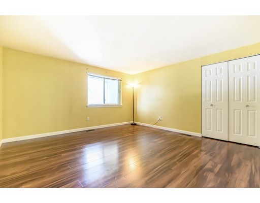 Picture 9 of 360 Littleton Rd Unit D10 Chelmsford Ma 3 Bedroom Condo