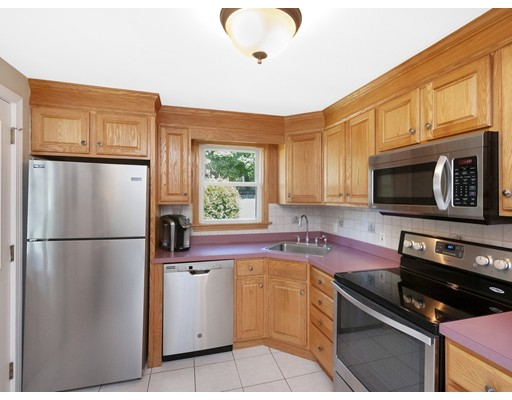 Picture 2 of 41 Watervale Rd  Medford Ma 3 Bedroom Single Family