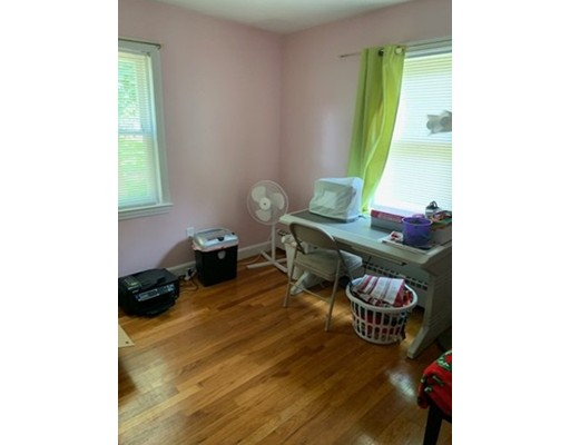 Picture 6 of 28 Carlisle Rd  Chelmsford Ma 4 Bedroom Single Family
