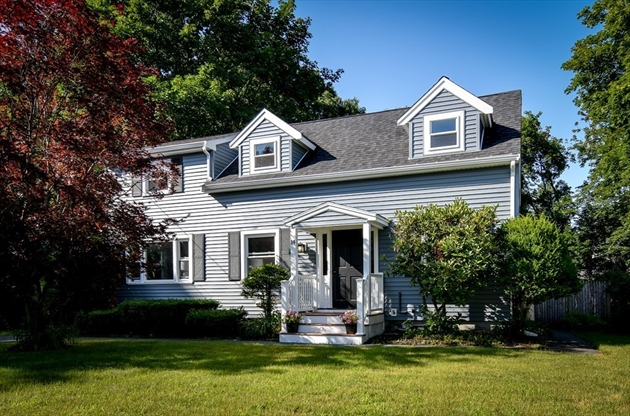 Picture 2 of 14 Fern St  Natick Ma 4 Bedroom Single Family