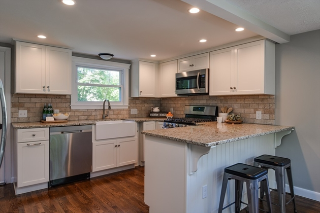 Picture 6 of 14 Fern St  Natick Ma 4 Bedroom Single Family