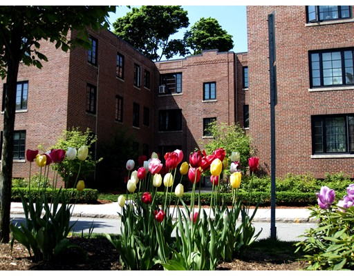Picture 1 of 11 Monmouth Ct Unit 4 Brookline Ma  2 Bedroom Condo#