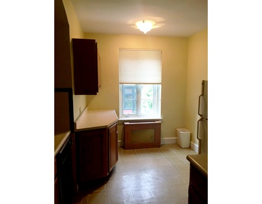 Picture 7 of 11 Monmouth Ct Unit 4 Brookline Ma 2 Bedroom Condo