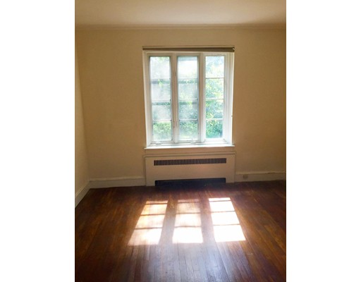 Picture 10 of 11 Monmouth Ct Unit 4 Brookline Ma 2 Bedroom Condo