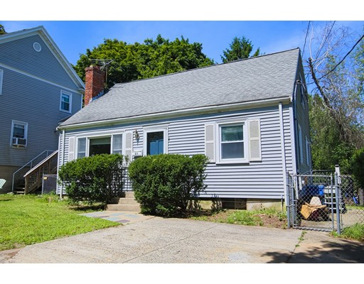 Picture 2 of 31 Marguerite Ave  Waltham Ma 4 Bedroom Single Family