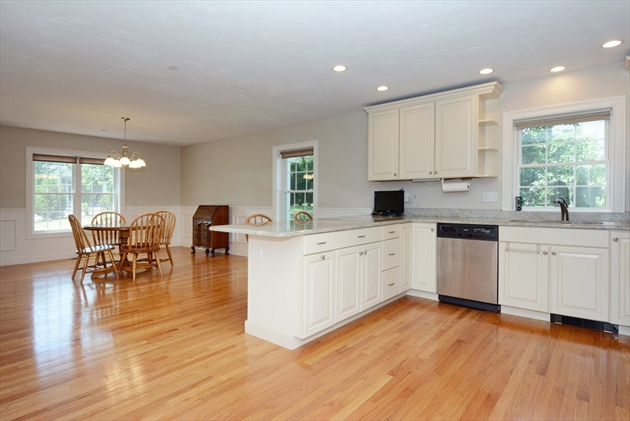 Picture 6 of 138 Holten St Unit 3 Danvers Ma 2 Bedroom Condo