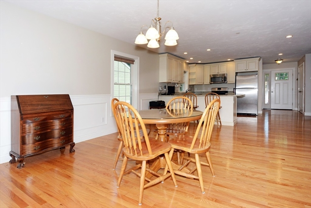 Picture 8 of 138 Holten St Unit 3 Danvers Ma 2 Bedroom Condo