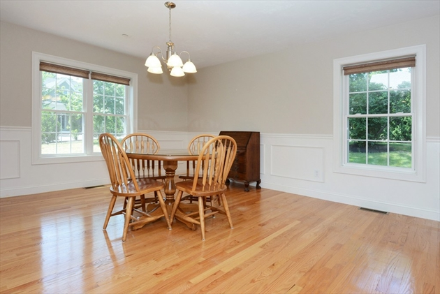 Picture 9 of 138 Holten St Unit 3 Danvers Ma 2 Bedroom Condo