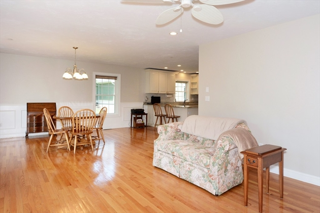 Picture 10 of 138 Holten St Unit 3 Danvers Ma 2 Bedroom Condo