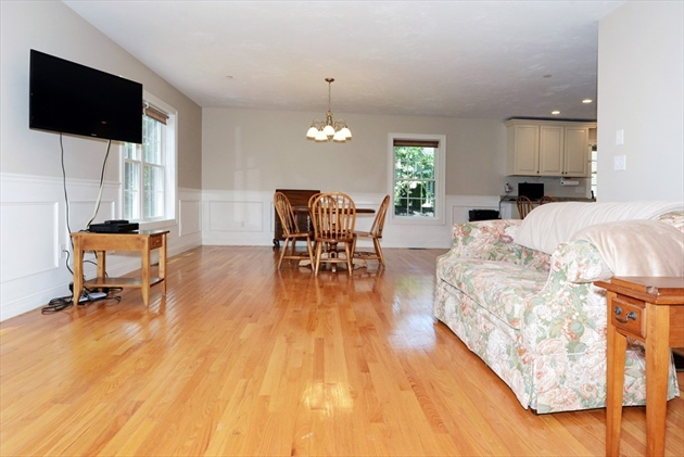 Picture 12 of 138 Holten St Unit 3 Danvers Ma 2 Bedroom Condo