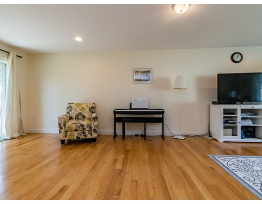 Picture 10 of 11 Newbury St Unit 6 Billerica Ma 3 Bedroom Single Family