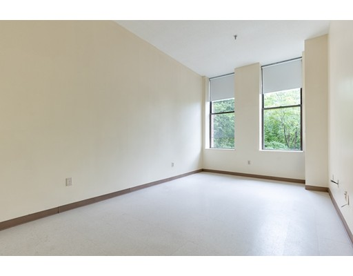 Picture 7 of 76 Elm St Unit 217 Boston Ma 1 Bedroom Condo