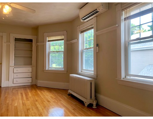 Picture 9 of 51 Salem St Unit 2 Reading Ma 3 Bedroom Rental