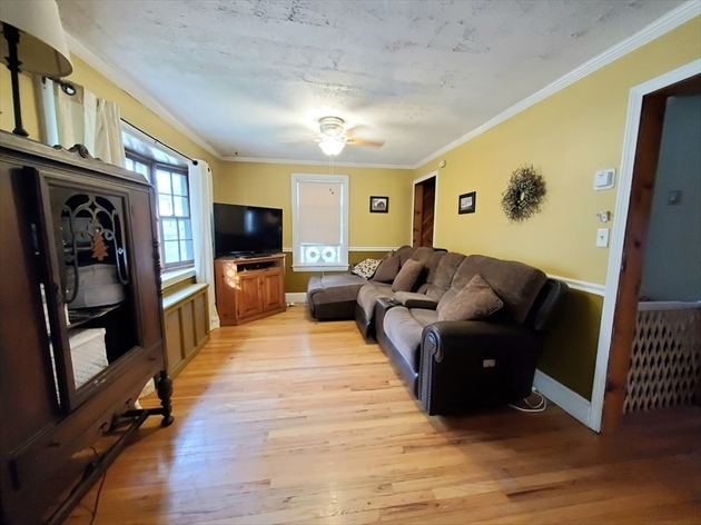 Picture 2 of 28 Arnold St  Methuen Ma 3 Bedroom Single Family