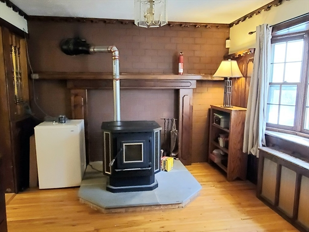Picture 11 of 28 Arnold St  Methuen Ma 3 Bedroom Single Family