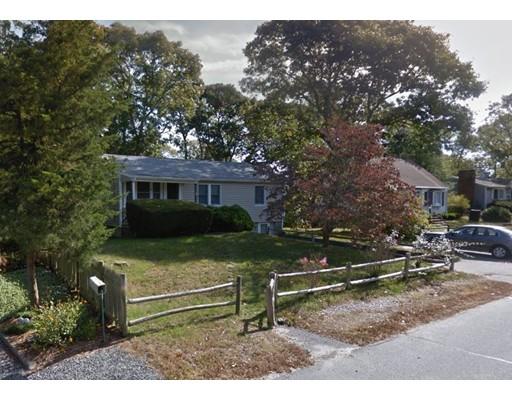 40 Wallace Ave, Bourne, MA 02532