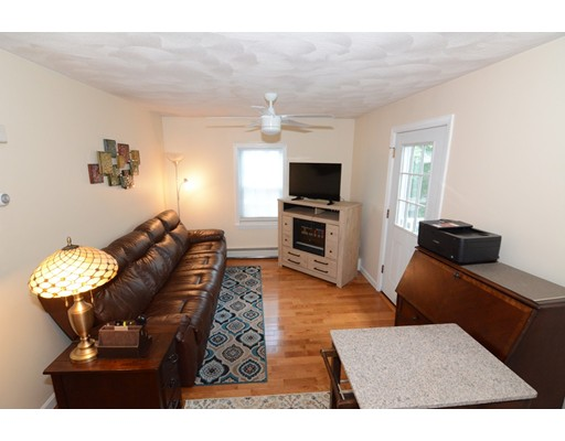 Picture 13 of 295 Water St  Wakefield Ma 4 Bedroom Multi-family