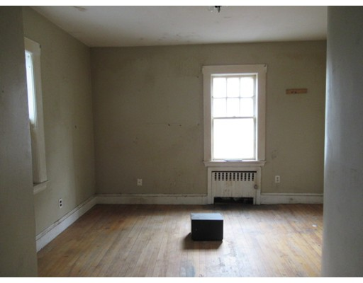 Picture 9 of 40-42 Swan St  Malden Ma 4 Bedroom Multi-family