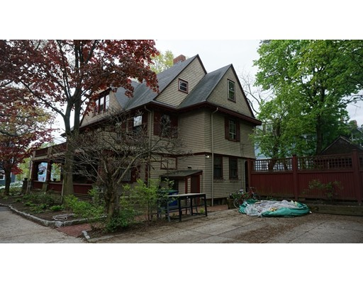 Picture 5 of 2 Westwood Rd  Somerville Ma 8 Bedroom Single Family