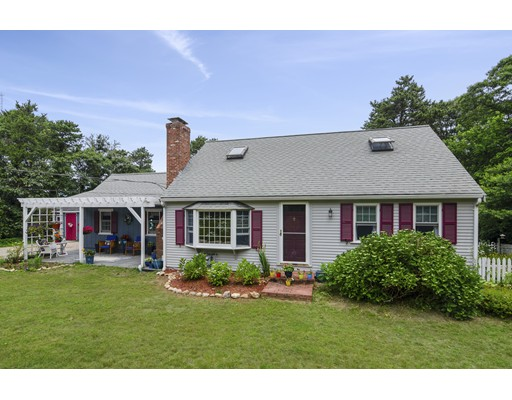 97 Bay View Dr, Brewster, MA 02631