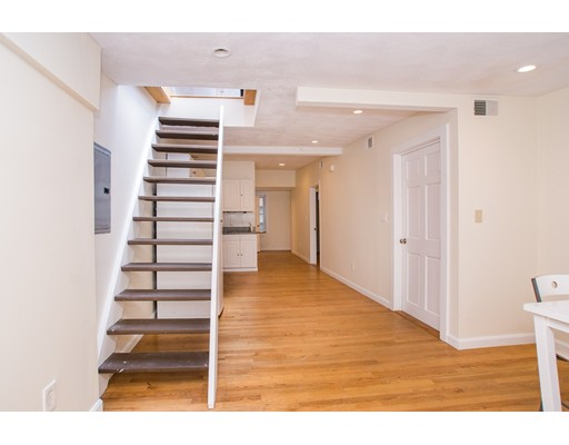 Photo of 40 Batterymarch St #5Bed