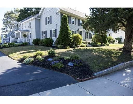 Photo: 186 Mount Vernon St, Lawrence, MA