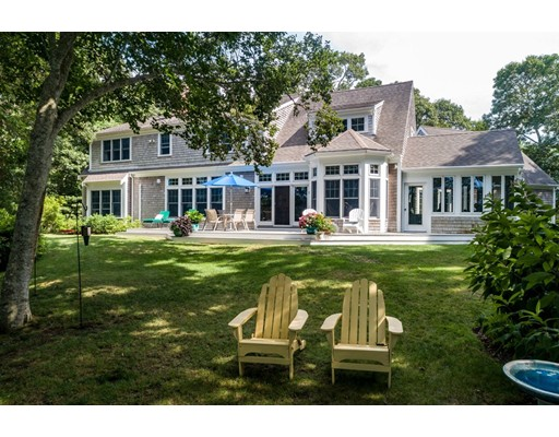 264 Griffiths Pond Rd, Brewster, MA 02631