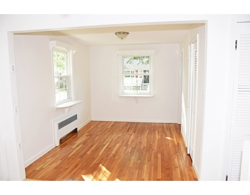 Picture 6 of 39 Bowes Ave  Quincy Ma 3 Bedroom Single Family
