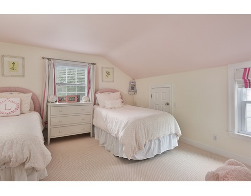 Picture 10 of 29 Brookfield Rd  Wellesley Ma 4 Bedroom Single Family
