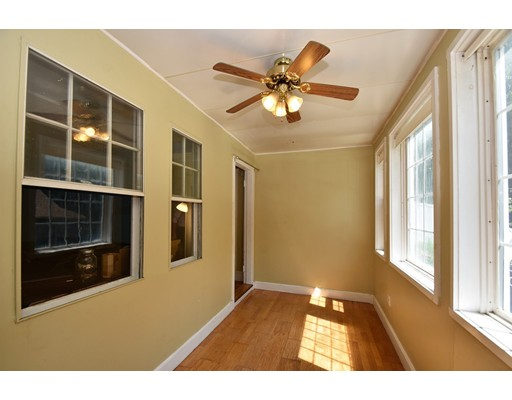 Picture 2 of 128-D Main St  Stoneham Ma 2 Bedroom Single Family