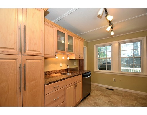 Picture 4 of 128-D Main St  Stoneham Ma 2 Bedroom Single Family