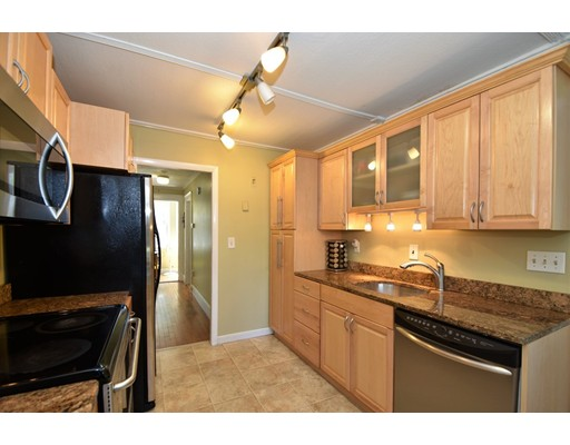Picture 5 of 128-D Main St  Stoneham Ma 2 Bedroom Single Family