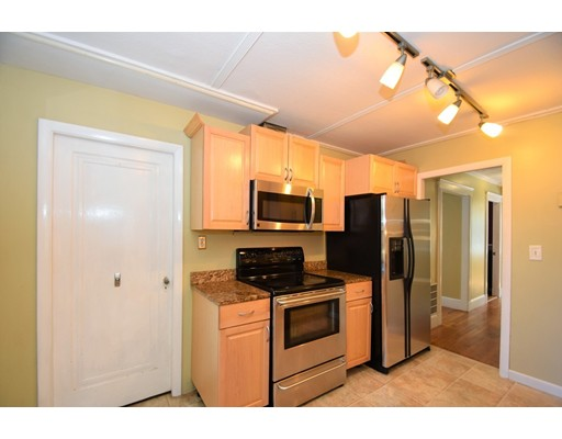 Picture 6 of 128-D Main St  Stoneham Ma 2 Bedroom Single Family