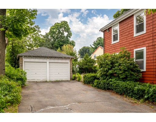 Picture 3 of 36 Hemingway St  Winchester Ma 3 Bedroom Single Family