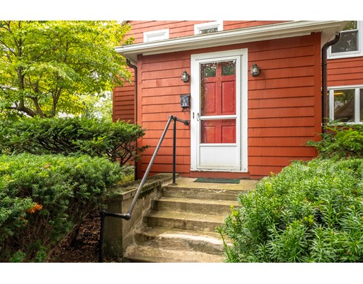 Picture 5 of 36 Hemingway St  Winchester Ma 3 Bedroom Single Family