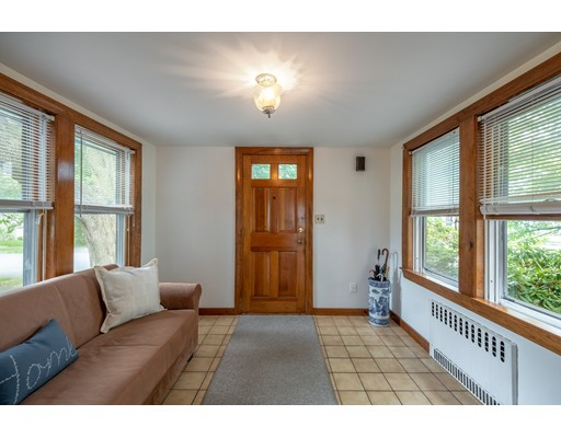 Picture 7 of 36 Hemingway St  Winchester Ma 3 Bedroom Single Family