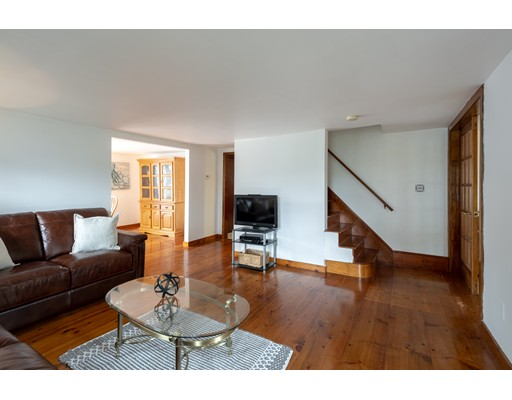 Picture 9 of 36 Hemingway St  Winchester Ma 3 Bedroom Single Family